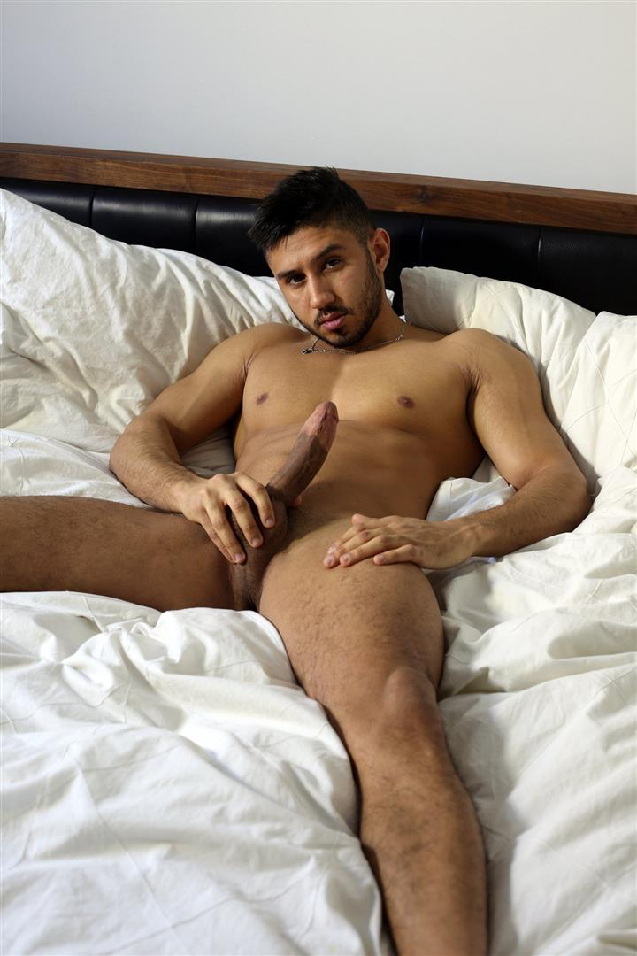 Men-of-Montreal-Malik-Big-Arab-Cock-At-The-Stock-Bar-Pictures-Amateur-Gay-Porn-08 Young Naked Moroccan Man Jerks His Big Arab Cock